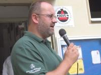 2004-09-04-tag-der-offenen-tür-im-th-begrüssung-durch-den-obmann-gerald-stutz