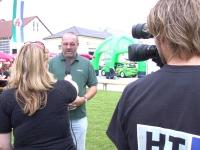 2004-09-04-tag-der-offenen-tür-im-th-obmann-gerald-stutz-beim-ht1-interview