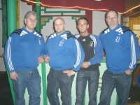 2007-02-03-alive-strenge-blicke-des-security-teams
