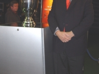 2008-03-28-uefa-em-pokal-mit-stutz