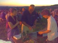 2008-06-21-sonnwendfeier-auch-der-obmann-hat-hunger