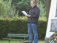 2009 06 20 Sonnwendfeier Obmann Stutz bei der kleinen Gedenkfeier