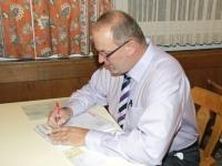 2009 12 05 Julschauturnen Letzte Vorbereitungen beim Obmann
