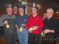 2010-01-07-eisstock-vm-2-platz-montagriege-mit-prosecco-als-gewinn