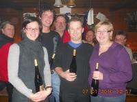 2010-01-07-eisstock-vm-3-platz-griassdi-mit-weisswein-als-gewinn