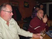 2010-11-29-montagriege-weihnachtsfeier-auch-der-obmann-hat-zeit-für-eine-ente