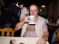 2010 12 04 Julschauturnen Der Obmann ist zufrieden _ Prost