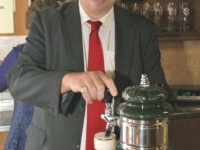 2012 04 12 Hauptversammlung-unser-obmann-ist-auch-schankbursch