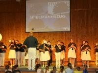 2016 12 03 Julschauturnen Obmann als Stabführer dirigiert SZ_Stücke