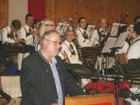 2015 11 28 Obmann bedankt sich für 25 Jahre Wunschkonzert im Turnerheim
