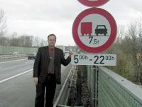 2001-02-22-protest-gegen-autobahnbeschränkung-wels