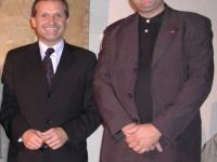 2002-11-04-stutz-mit-innenminister-strasser