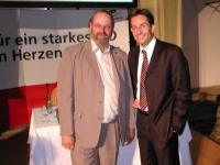 2004-06-24-stutz-mit-finanzminister-grasser