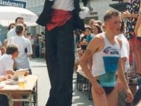 1992-07-04-marktfest-5-neumarkt-einlauf-marathon