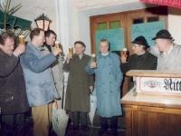 1992-11-28-christkindlmarkt-bieranstich