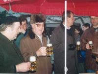 1993-12-04-christkindlmarkt-bieranstich