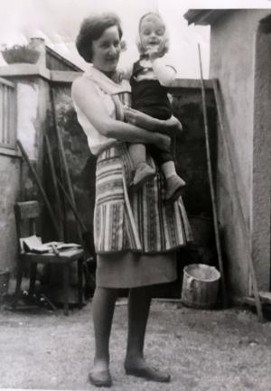 1964 mit Taufgodi Tante Christl