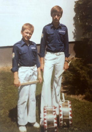 1976 mit Bruder Roland als Trommler