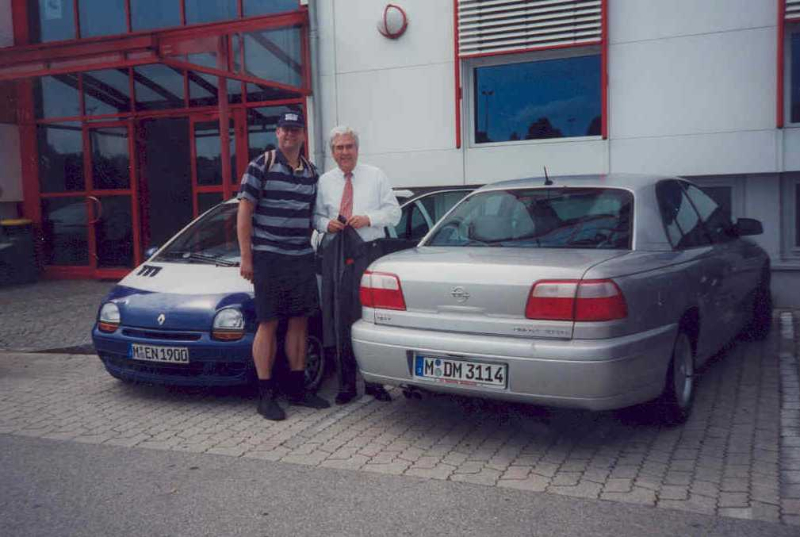 2000 05 26 FCBayern Vizepräsident Scherer beim Abschiedsspiel Lothar Matthäus FCB gegen Nationalmannschaft