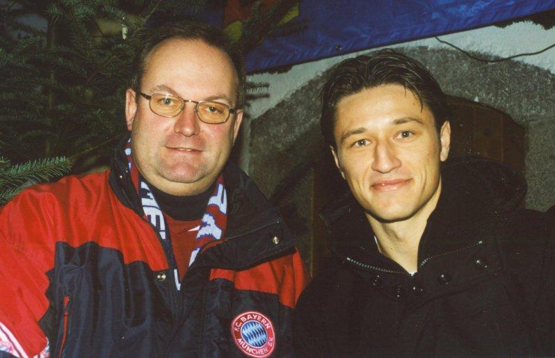 2002 12 08 Niko Kovac FCBayern Spieler bei der Fanclub Weihnachtsfeier in Natternbach