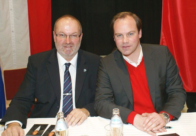 2009-12-13-christian-nerlinger-fcbayern-sportdirektor-bei-der-weihnachtsfeier-in-natternbach
