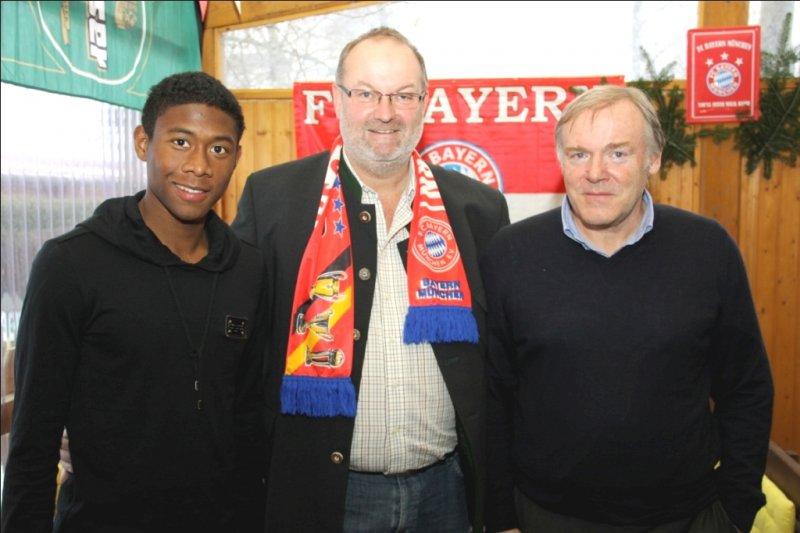 2010 12 12 David Alaba FCBayern Spieler und Hermann Gerland bei der Fanclub Weihnachtsfeier in Hehenber