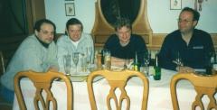 1999-02-12-klostertaler-musikanten-beim-musikantenstadl-in-eferding-nach-der-freitagsprobe