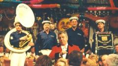 1999-02-13-karl-moik-musikantenstadl-moderator-in-eferding