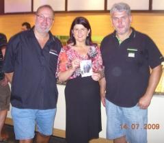 2009-07-14-lhf-gabi-burgstaller-bei-der-polizei-bm-in-salzburg_flughafen