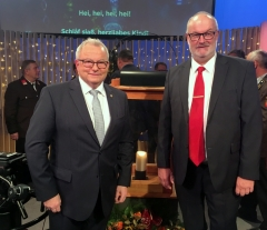 2017 12 18 Hartl Günther ORF OÖ Moderator bei der Friedenslichtübergabe