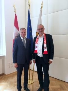 2018 06 18 LH Mag Thomas Stelzer als 2200 Mitglied des FCB Fanclub Natternbach