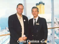 2002-04-29-kreuzfahrt-griechenland-foto-mit-kapitän-costa-classica