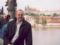 2004-09-25-prag-mit-burg-rw-begleiter