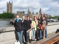 2009-07-19-london-gruppenabteilung-vor-westminster
