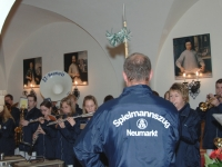 2006 04 28 Geburtstagsständchen Altenstrasser Wilhelm der Stabführer von hinten