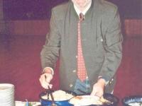 2006 12 16 SZ Weihnachtsfeier der Obmann darf das Buffet eröffnen