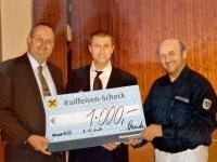 2007 12 08 Julschauturnen Neumarkt Geschenk für SZ von Raika