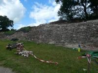 Deutschland Archäologischer Grenzkomplex Haithabu und Danewerk Ziegelsteinmauer Kopfbild
