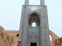 Iran Altstadt von Yazd Freitagsmoschee mit höchstem Eingangsportal und mit höchstem Minarett mit 72 m Höhe im Iran