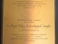Irland-archäologisches-ensemble-bend-of-the-boyne-tafel-1