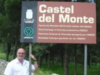 Italien-castel-del-monte-tafel