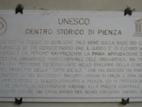 Italien-historisches-zentrum-von-pienza-tafel-1