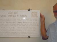 Italien-historisches-zentrum-von-pienza-tafel