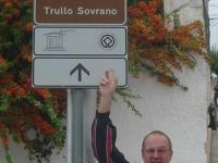 Italien-trulli-rundbauten-von-alberobello-tafel