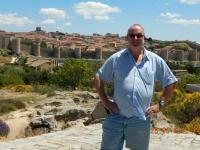 Spanien Altstadt von Avila und Kirchen außerhalb der Stadtmauer