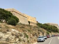 Spanien Ibiza Biologische Vielfalt und Kultur Altstadt Dalt Vila Kopfbild