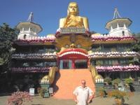 Sri-lanka-goldener-felsentempel-von-dambulla