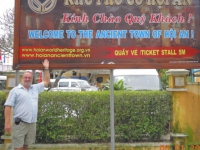 Vietnam-historische-altstadt-von-hoi-an-tafel
