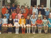 1973 Volksschule 4. Klasse 2. Reihe 3. von links