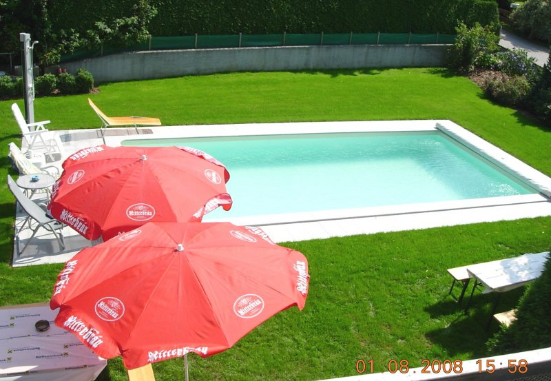 2008 Neuer Pool vor der SZ-Sommerparty